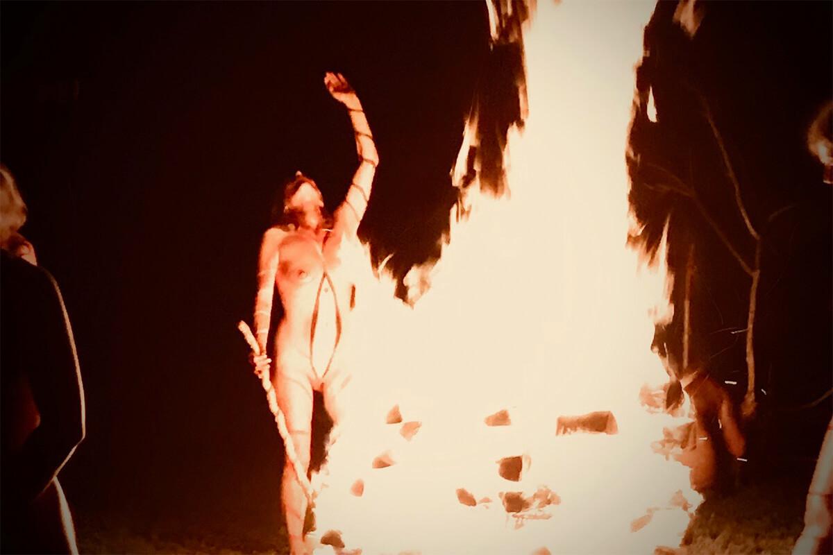 Goldmarie Frauen-Feuertanz Ritual